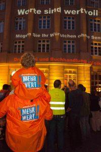 Lichtinstallation der Journalistengewerkschaften